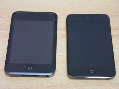 iPod touch第1世代と第4世代.jpg